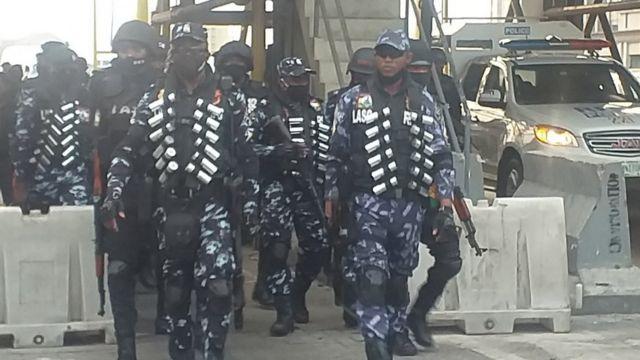 #EndSARS Nigerian police beat, arrest protesters at Lekki toll gate