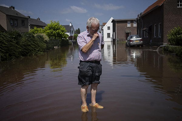 Europe death toll rises to more than 180 as Germany, Belgium clean up after floods